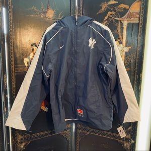 NY Yankees Nike Windbreaker NWT